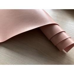 Кожзам переплётный (глянцевый). Пыльно-розовый, 25х35 см