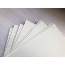 Дизайнерский картон (300 г) - белый, гладкий (31,5х30 см)